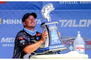 First ever Canadian; Chris Johnston wins the Elite Series at St. Lawrence River